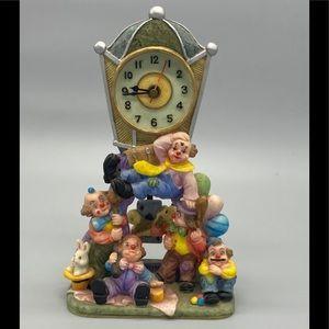 NOVELTY resin clown mantel shelf clock